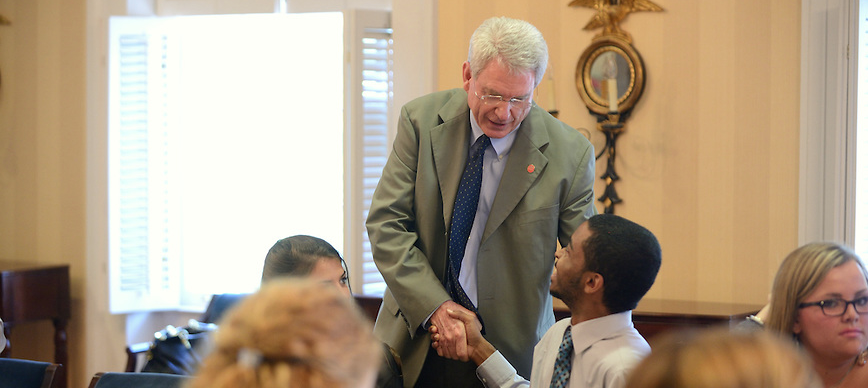 Chancellor Dan Jones meets with METP students.