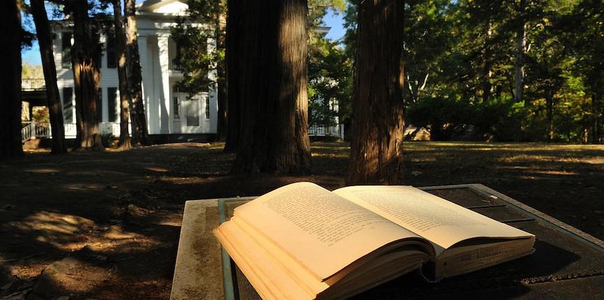 Nobel Prize-winning author William Faulkner lived at Rowan Oak for over 40 years.